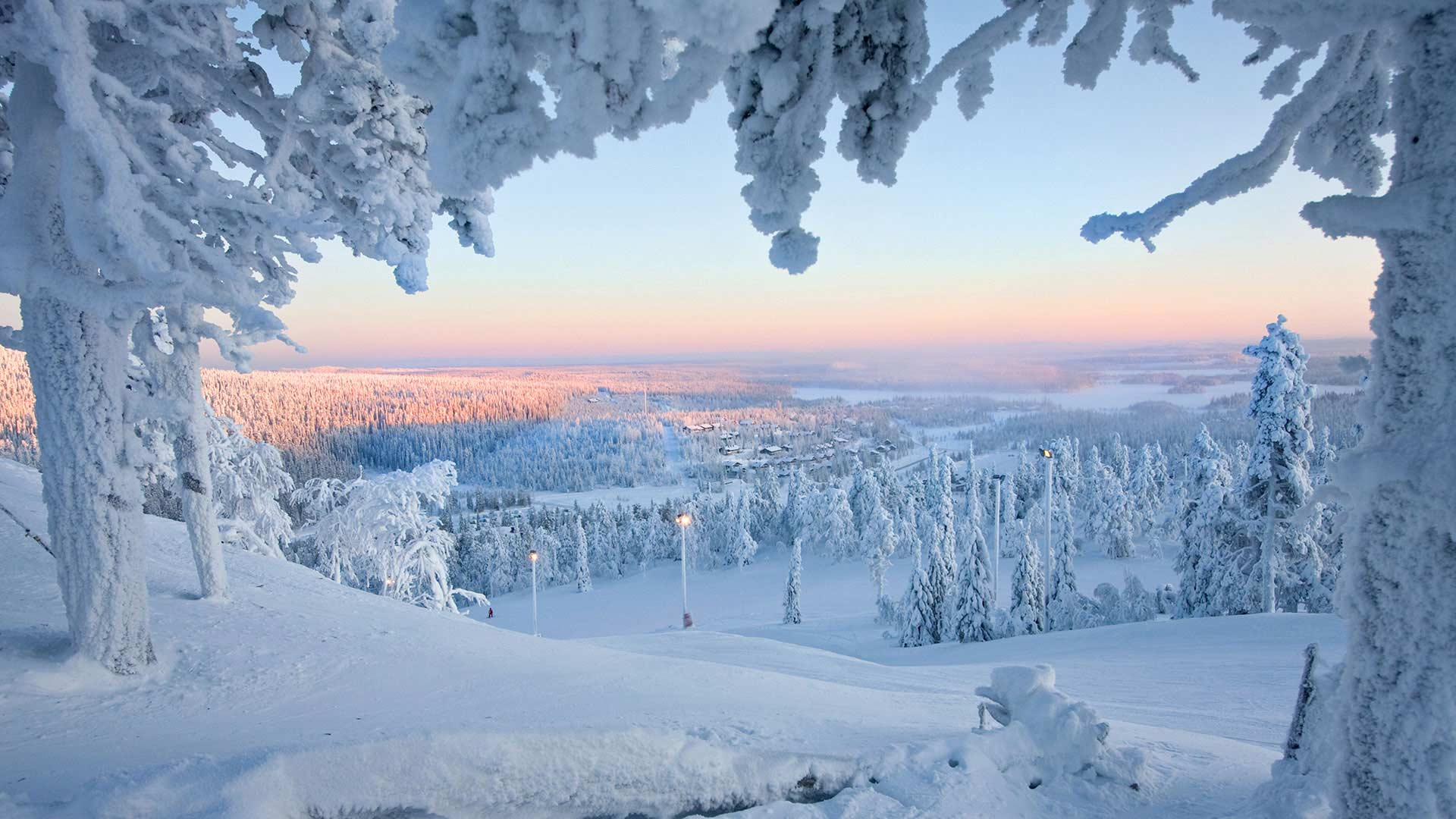 Lapland Honeymoon Travel Deals Wedding Holiday Packages In Lapnd Honeymoon Weekend Trip Nordic Visitor